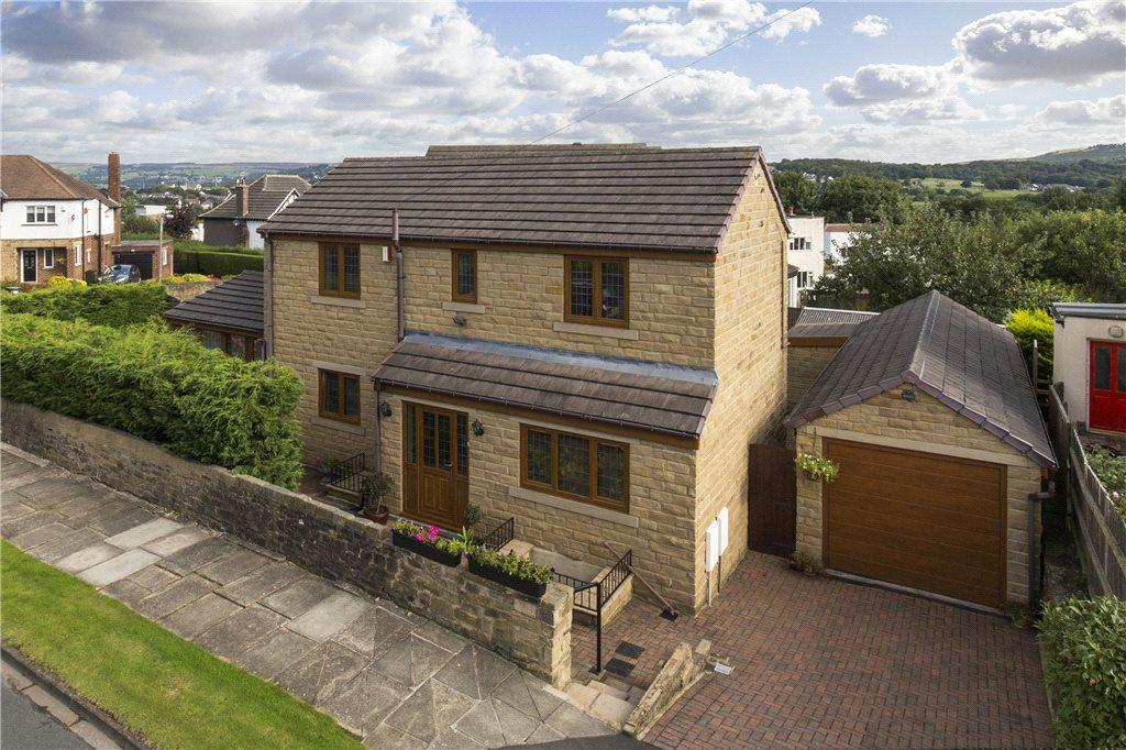 4 Bedrooms Detached House for sale in Eastwood Crescent, Bingley, West Yorkshire