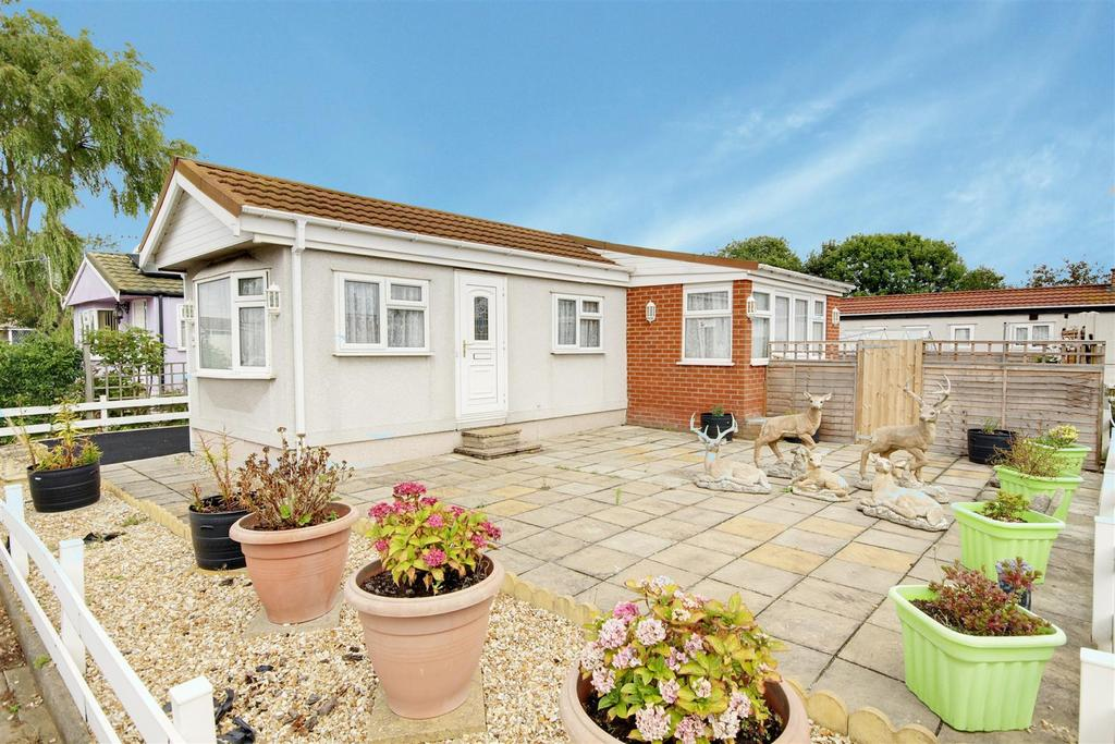 1 Bedroom Park Home Mobile Home for sale in 54 Seahaven Springs, Mablethorpe