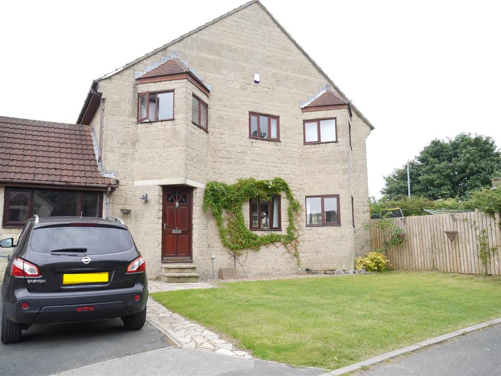 3 Bedrooms House for sale in Martindale Close, Bradford. BD2 3SR