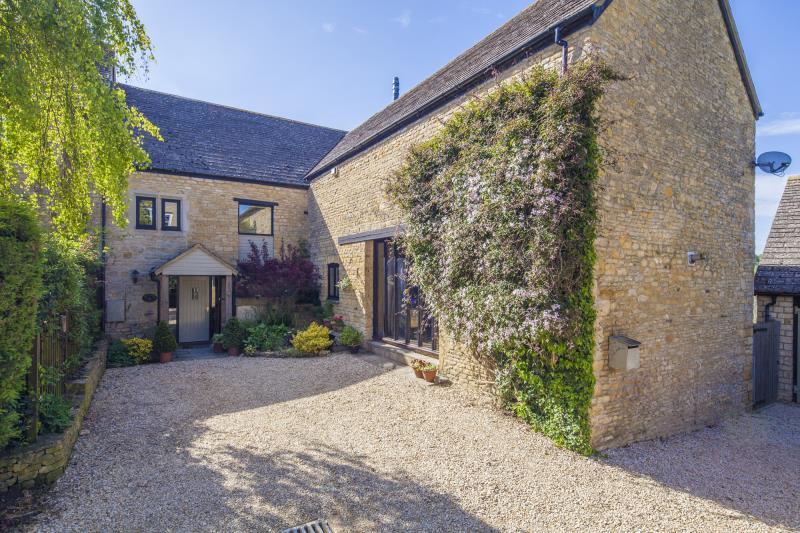 4 Bedrooms Semi Detached House for sale in Lidstone, Chipping Norton, Oxon, OX7