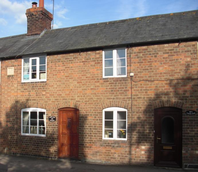 2 Bedrooms Terraced House for sale in Tudor View, High Street, Mickleton, GL55