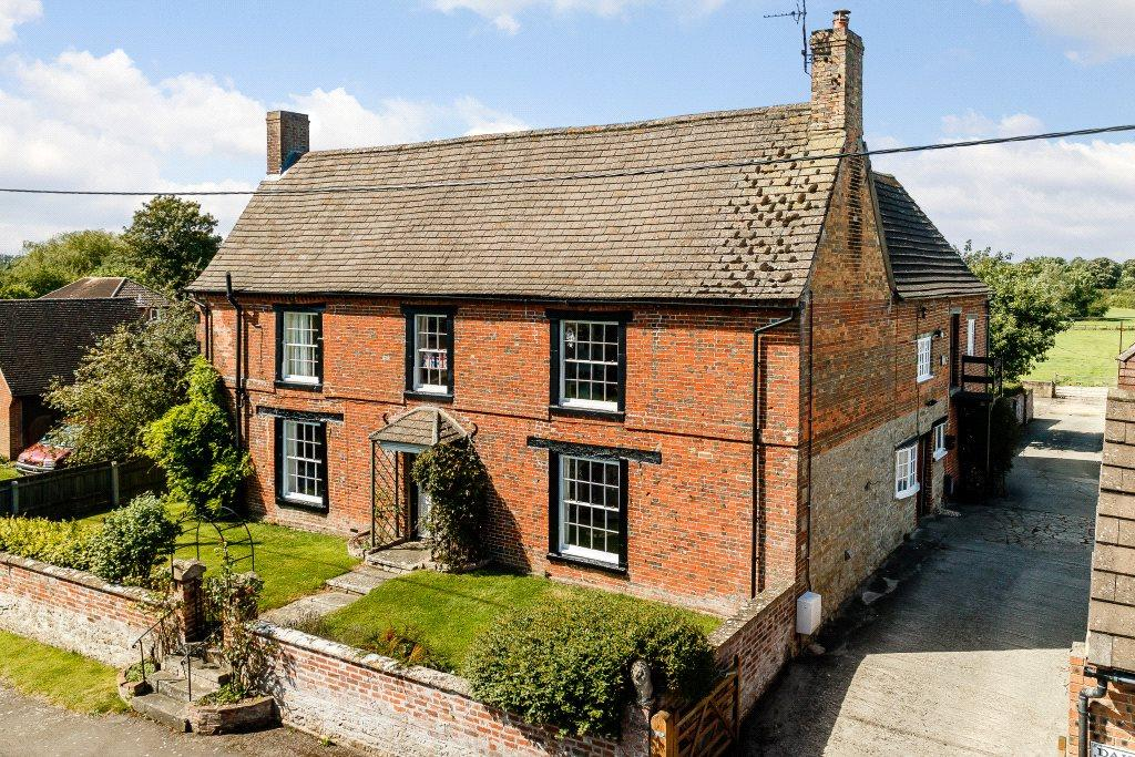 6 Bedrooms Detached House for sale in Purton Stoke, Wiltshire, SN5