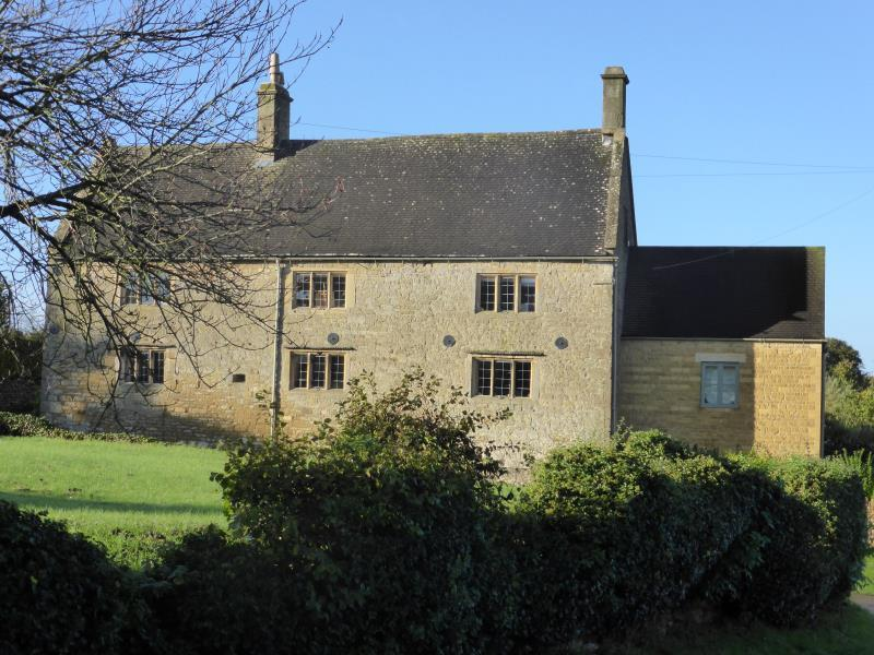 4 Bedrooms Detached House for sale in Hidcote Boyce, Nr Chipping Campden, Gloucestershire, GL55