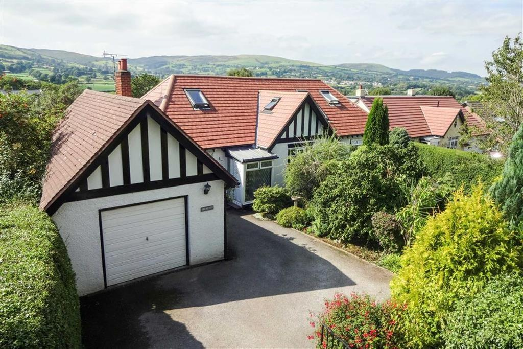 4 Bedrooms Detached Bungalow for sale in Cefn Bychan Road, Pantymwyn, Mold