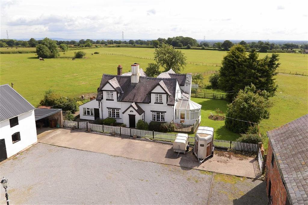 4 Bedrooms Detached House for sale in St Martins, Nr Oswestry, SY11