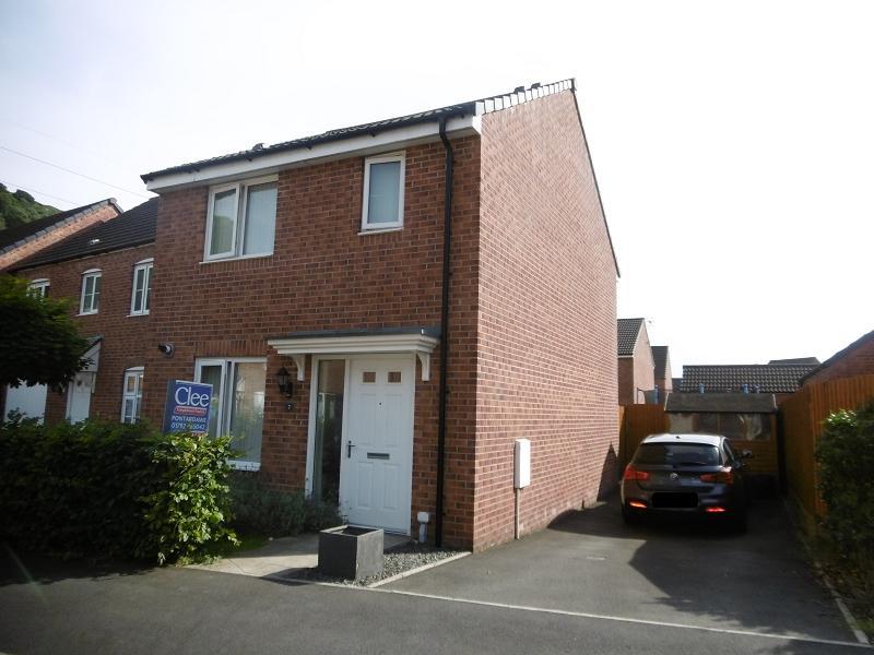 3 Bedrooms Detached House for sale in Llys Ynysgeinon Godrergraig, Swansea.