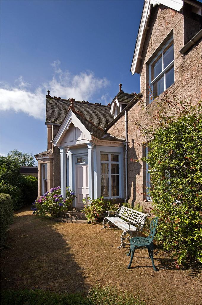 4 Bedrooms Detached House for sale in Rowanbank, Station Square, Aboyne, Aberdeenshire