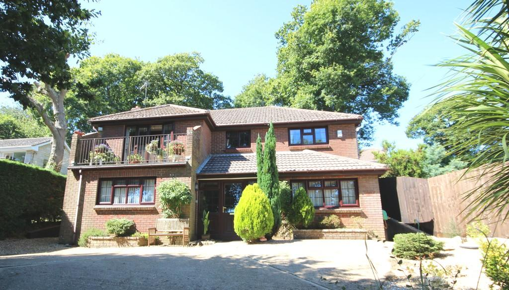 5 Bedrooms Detached House for sale in Alverstone Garden Village, Isle of Wight