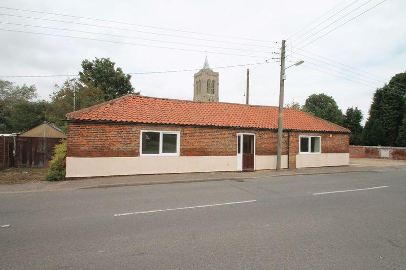 2 Bedrooms Detached Bungalow for sale in Church End, Gedney