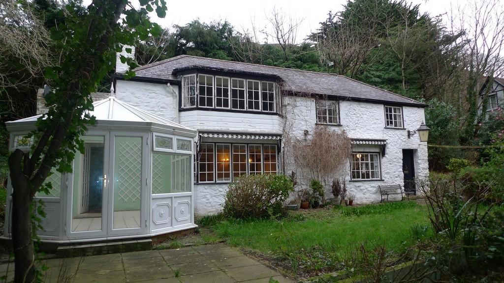 2 Bedrooms Cottage House for sale in Old Mill Road, Penmaenmawr
