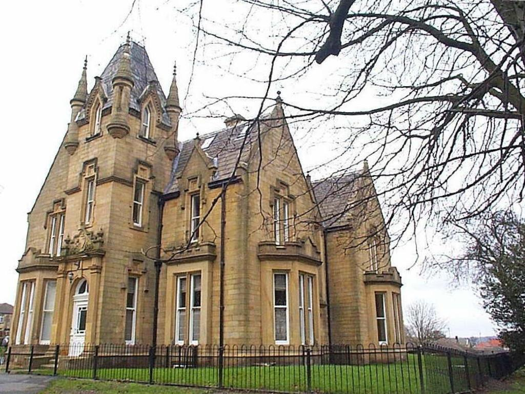 1 Bedroom Apartment Flat for sale in Westroyd Hall, Farsley, Pudsey, West Yorkshire
