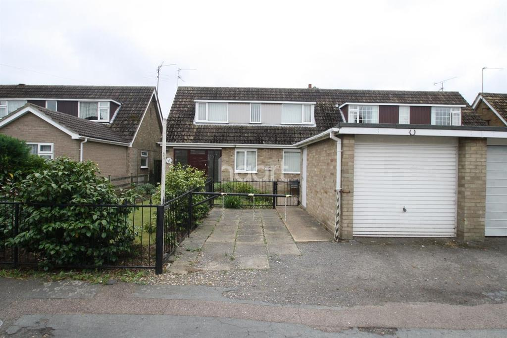 3 Bedrooms Semi Detached House for sale in Leverington