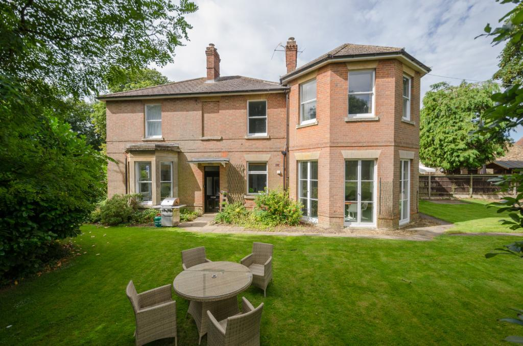 4 Bedrooms Semi Detached House for sale in The Former Vicarage, Seend, Wiltshire, SN12