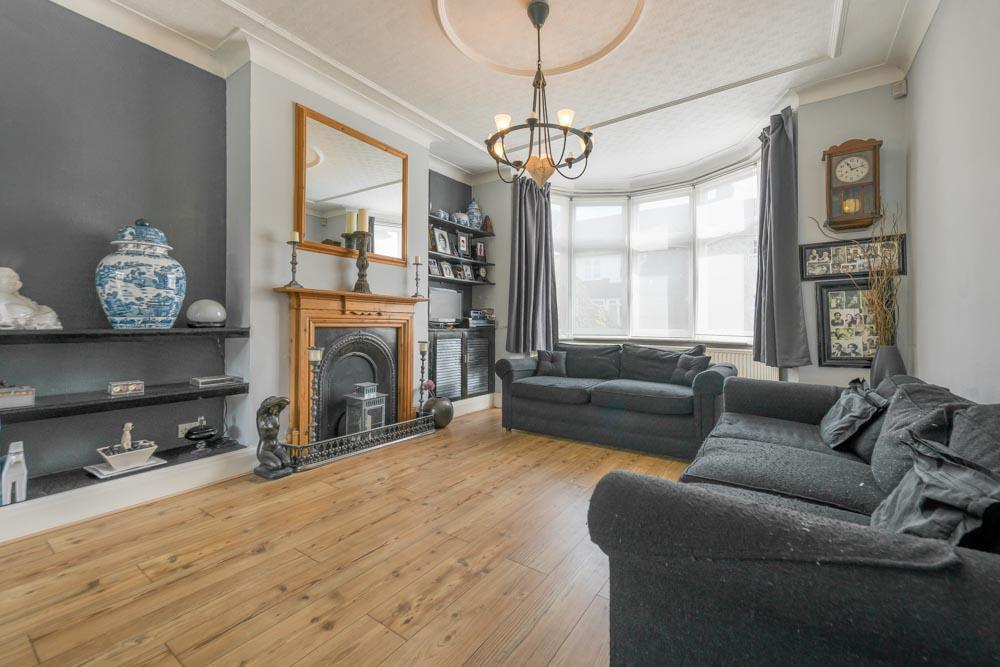 3 Bedrooms Terraced House for sale in College Road, London, NW10