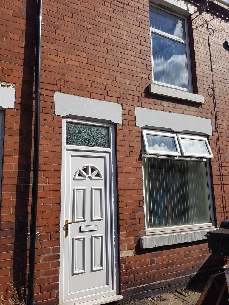 3 Bedrooms Terraced House for rent in Carlyle Street, Mexborough S64 9DE