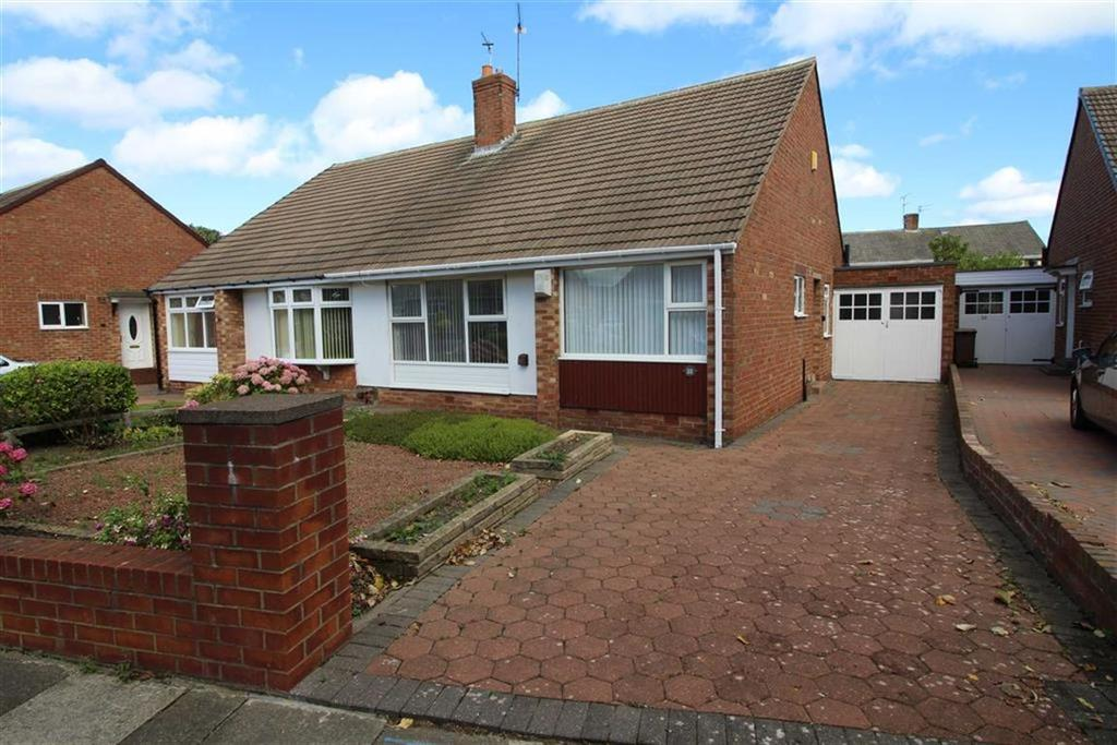 2 Bedrooms Semi Detached Bungalow for sale in Sandfield Road, North Shields