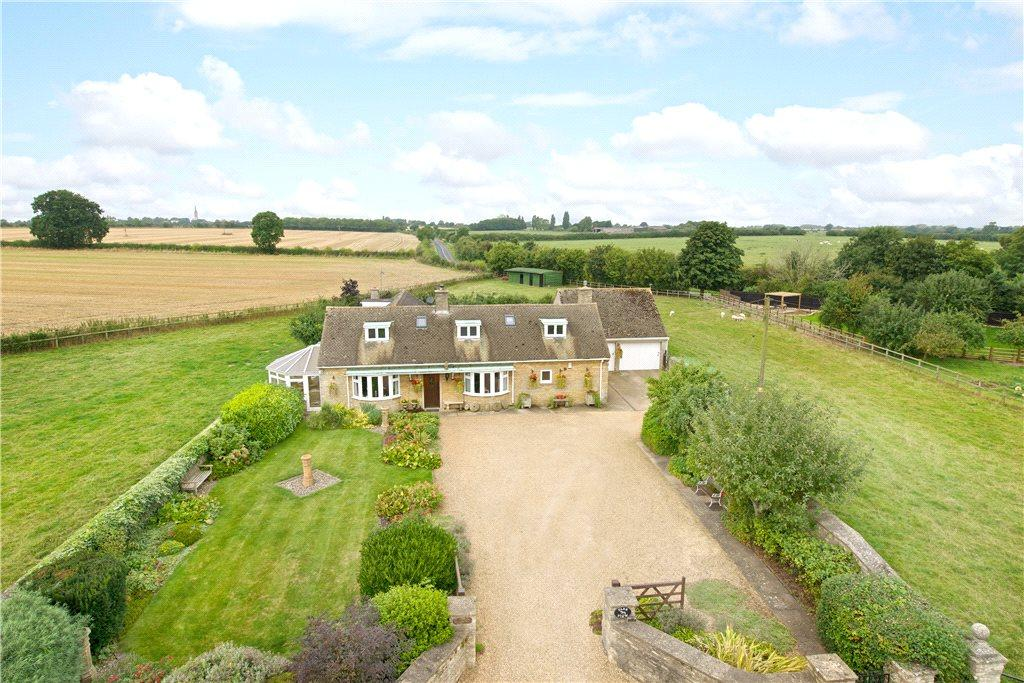 4 Bedrooms Detached House for sale in Tathall End, Hanslope, Milton Keynes, Buckinghamshire