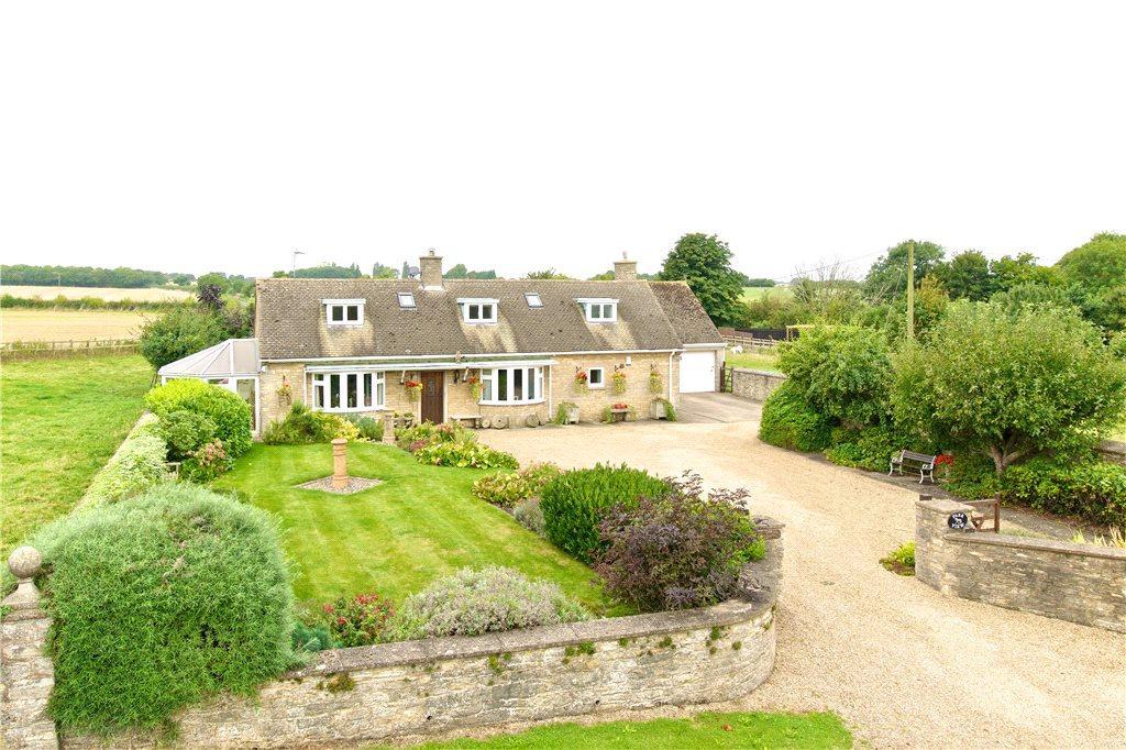 4 Bedrooms Detached House for sale in Tathall End, Hanslope, Milton Keynes, Buckinghamshire