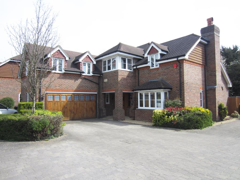 5 Bedrooms Detached House for sale in SL0