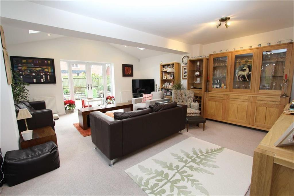 5 Bedrooms Detached House for sale in Longcroft Place, Lymm, Cheshire