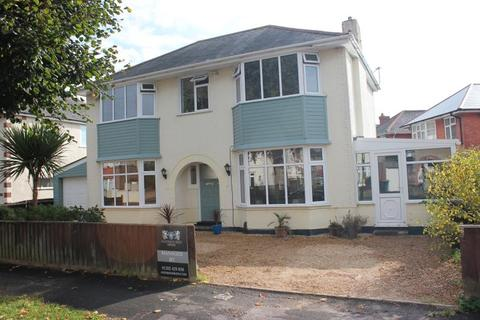 4 bedroom detached house to rent - Ashford Road, Bournemouth, BH6...