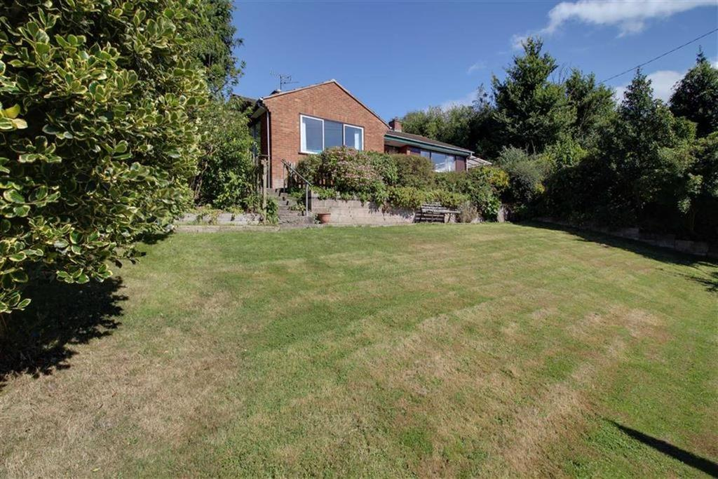 3 Bedrooms Detached Bungalow for sale in Old Hill, Longhope, Gloucestershire