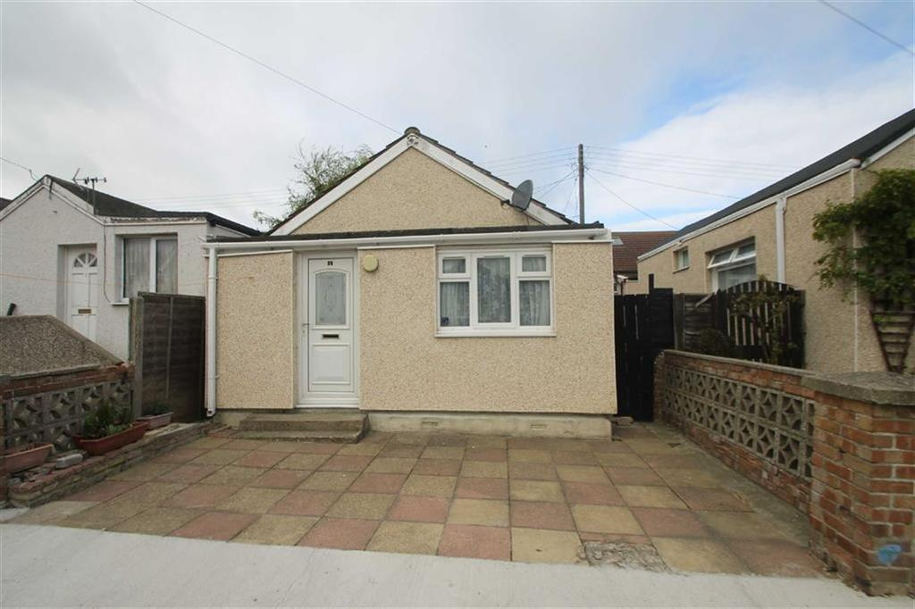 1 Bedroom Detached Bungalow for sale in Bentley Avenue, Jaywick