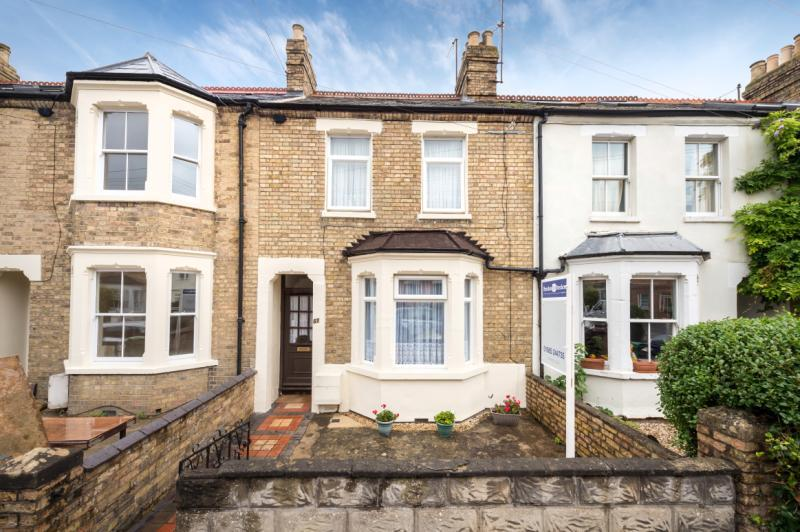 3 Bedrooms Terraced House for sale in Essex Street, East Oxford
