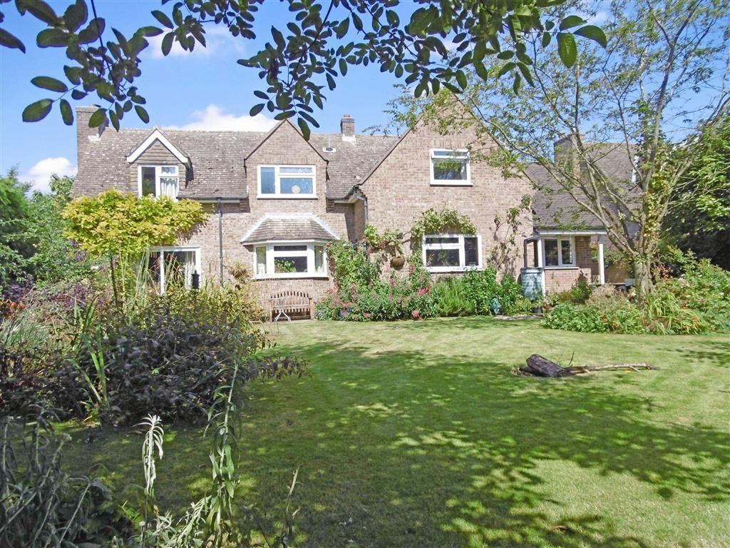 4 Bedrooms Detached House for sale in Church Lane, Greetham, Rutland