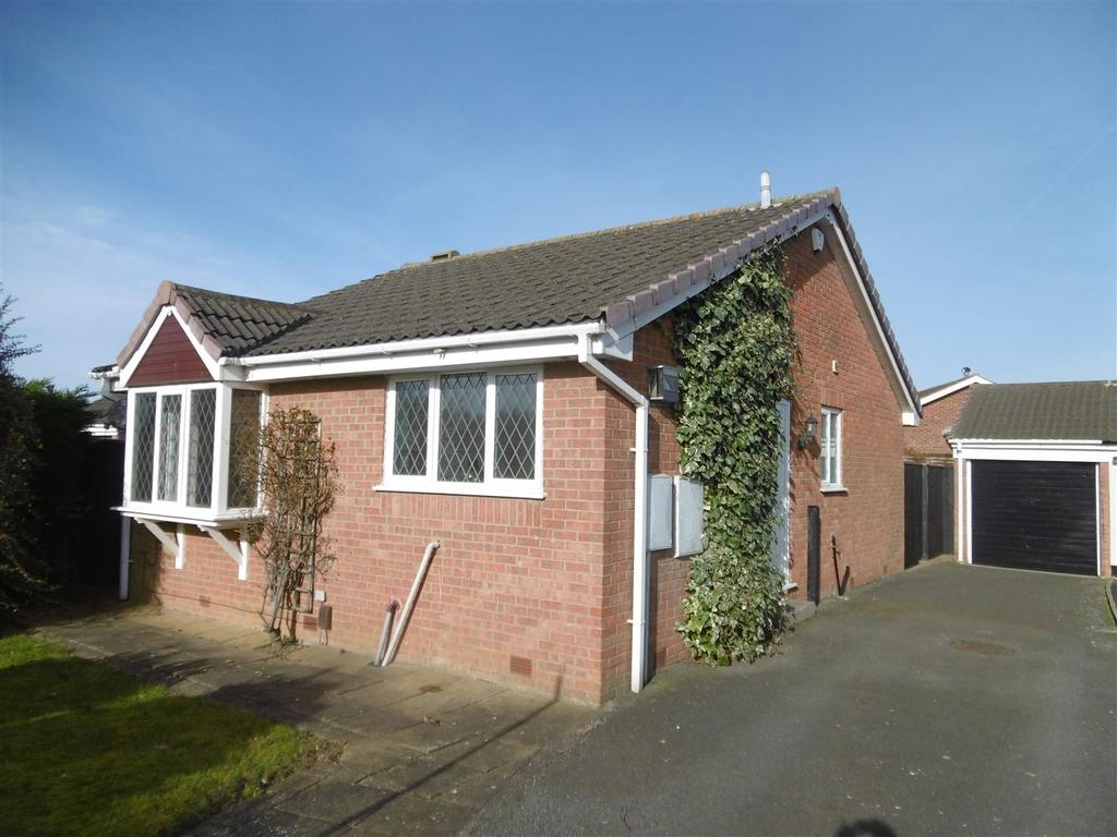 2 Bedrooms Detached Bungalow for sale in Bishopthorpe Road, Cleethorpes