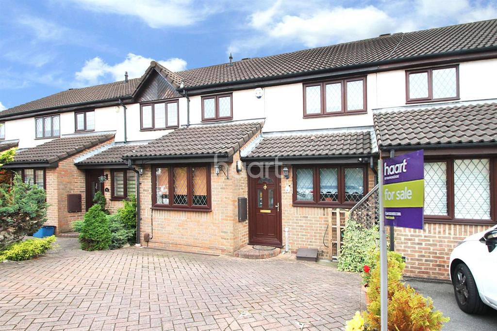 3 Bedrooms Terraced House for sale in Exmoor Close, Barkingside