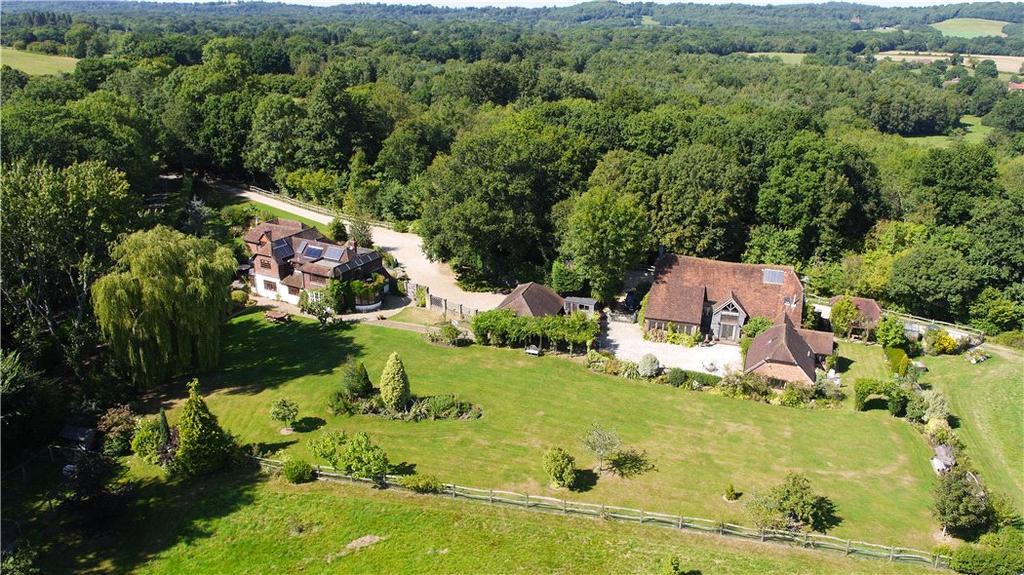 5 Bedrooms Detached House for sale in White Beech Lane, Chiddingfold, Godalming, Surrey, GU8