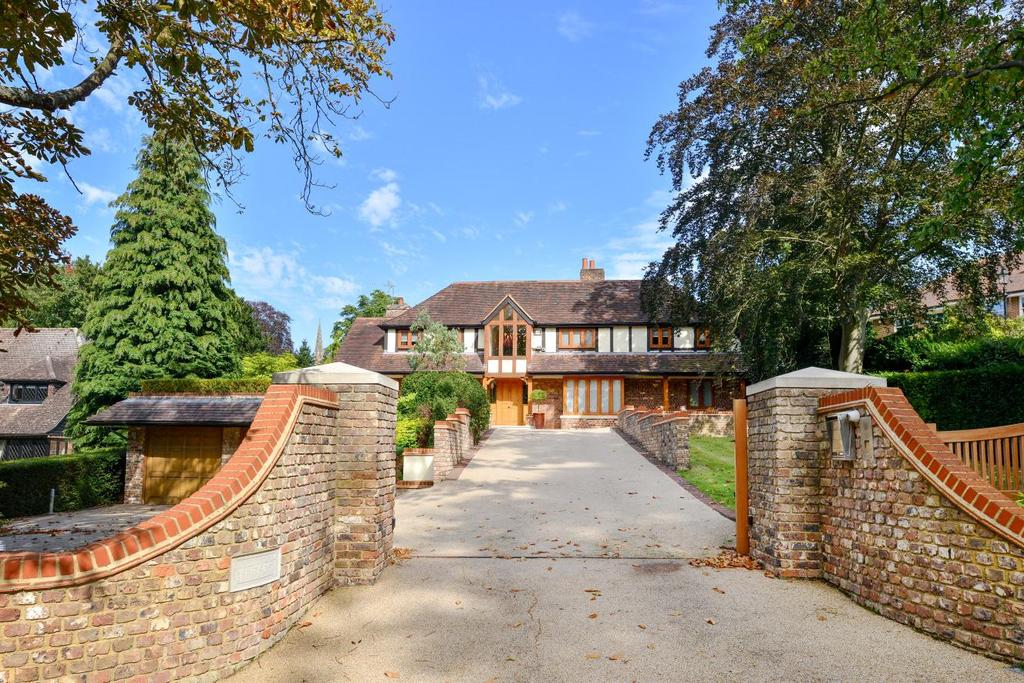 5 Bedrooms Detached House for sale in Wilderness Road, Chislehurst, BR7