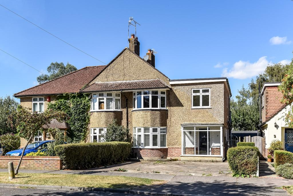 4 Bedrooms Semi Detached House for sale in Lawrence Road West Wickham BR4