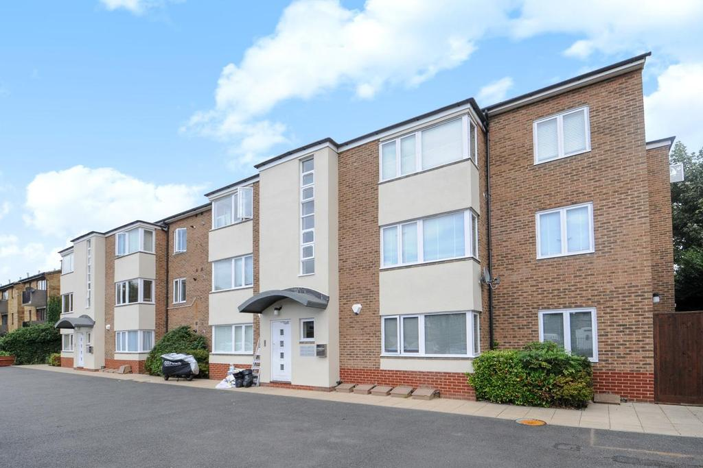 2 Bedrooms Flat for sale in Burnt Ash Hill, Lee