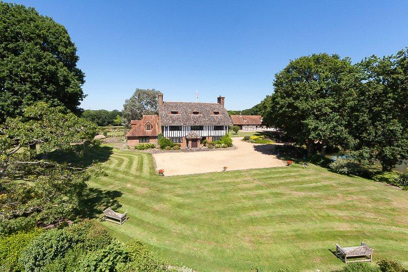 9 Bedrooms Detached House for sale in Wineham Lane, Wineham, Henfield, West Sussex, BN5