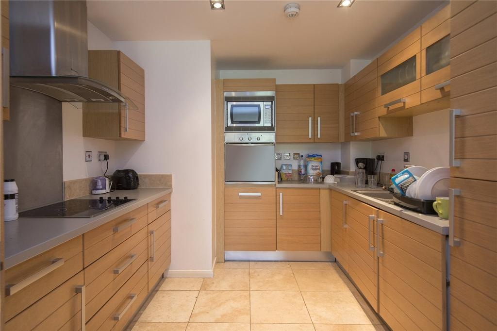 2 Bedrooms Flat for sale in Limeharbour, London, E14
