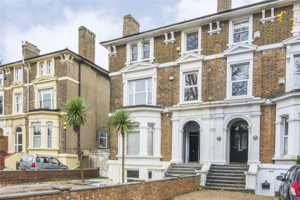 1 Bedroom Flat for sale in High Road, Buckhurst Hill, Essex, IG9