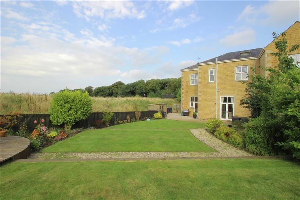 4 Bedrooms Mews House for sale in Woodfold Park Farm, Mellor, Ribble Valley