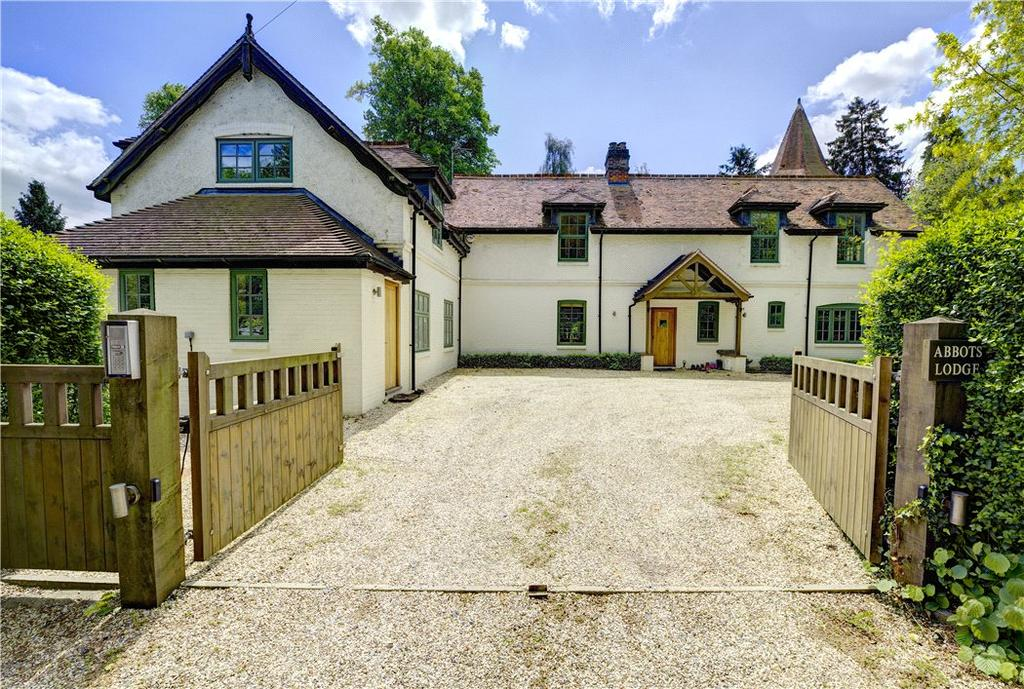 5 Bedrooms Detached House for sale in Goring Heath, Reading, Oxfordshire, RG8