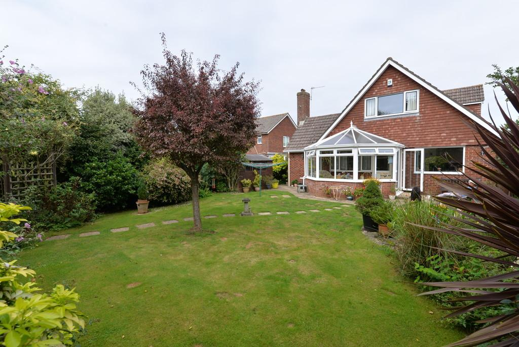 4 Bedrooms Chalet House for sale in Barton Drive, Barton on Sea