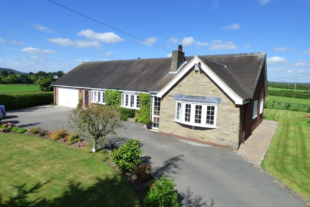 3 Bedrooms Detached Bungalow for sale in Hollington Road, Nr Rocester, Uttoxeter, ST14 5HY
