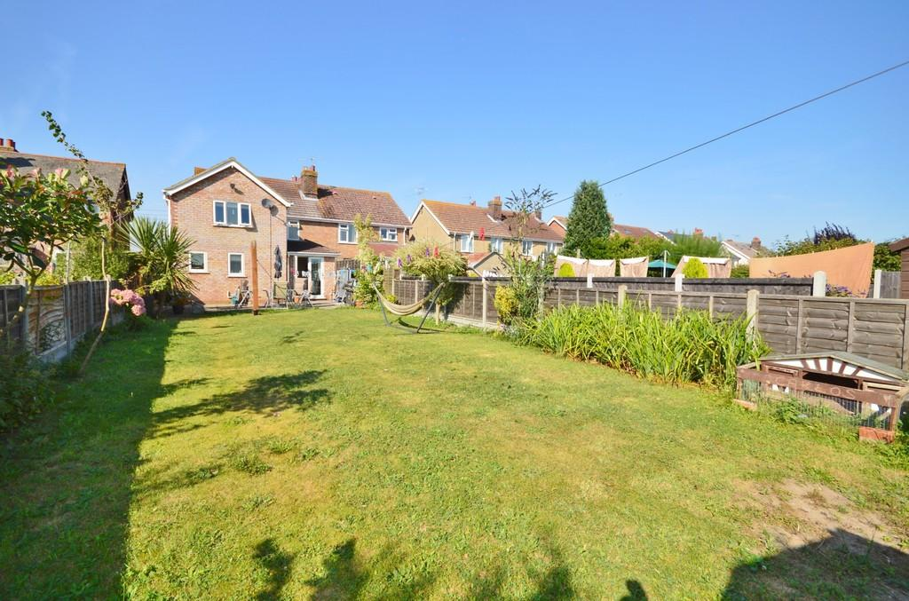 4 Bedrooms Semi Detached House for sale in Long Road, Lawford, Manningtree, CO11 2HS