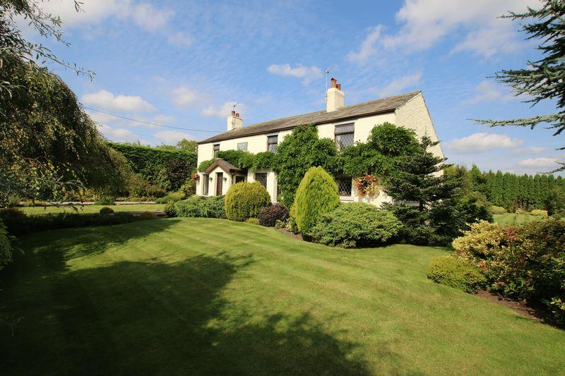 4 Bedrooms Farm House Character Property for sale in Moss Villa, Moss House Lane, Much Hoole