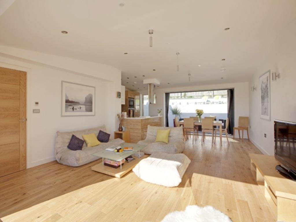 4 Bedrooms Detached House for sale in Ainsworth Avenue Brighton BN2