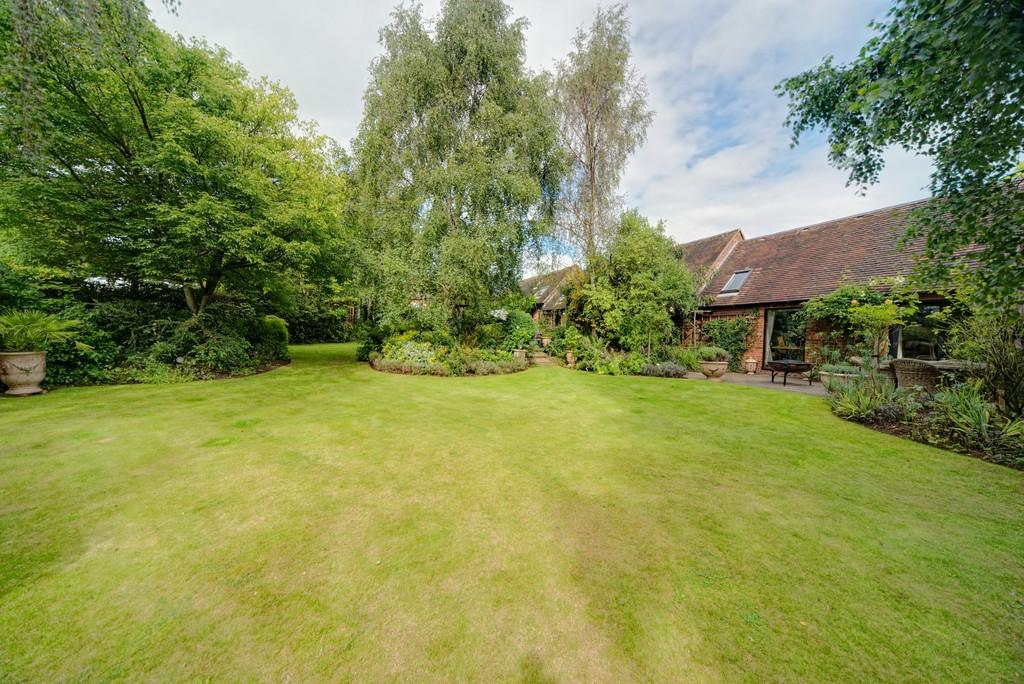 4 Bedrooms Barn Conversion Character Property for sale in Church Road, Baginton