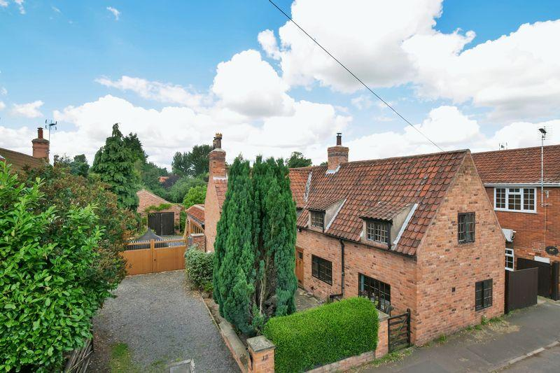 4 Bedrooms Detached House for sale in Main Street, Sutton on Trent