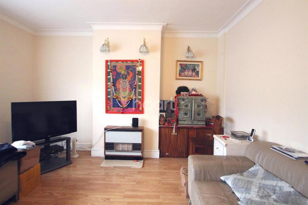 2 Bedrooms Flat for sale in Streatfield Road, HA3
