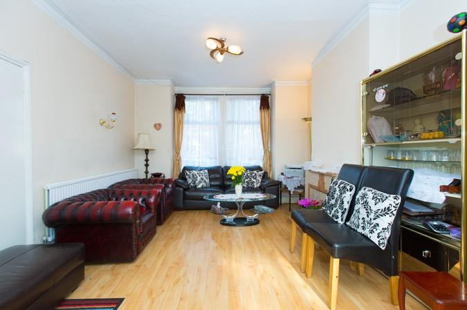 3 Bedrooms Terraced House for sale in Winchester Street, Acton