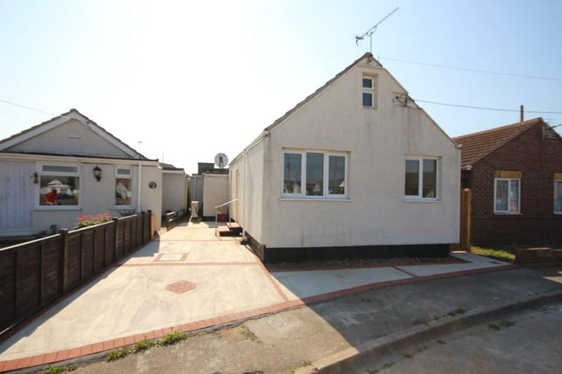 1 Bedroom Detached Bungalow for sale in Sea Crescent, Jaywick, Clacton-On-Sea